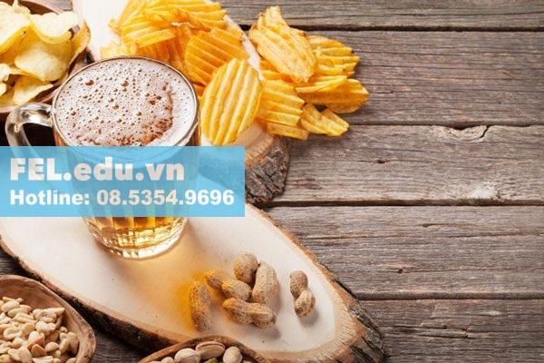 Thức ăn, rượu và thuốc lá cũng có thể tương tác với vài thành phần nhất định