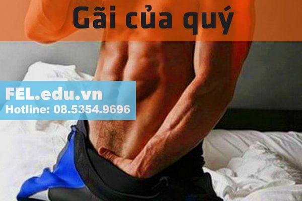 Vì sao nam giới thường cho tay vào trong quần khi ngủ