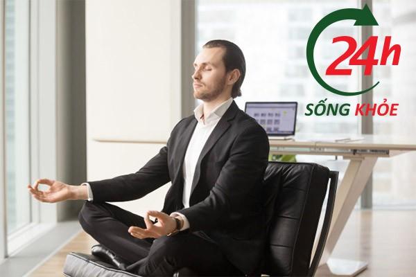 Trước khi Massage Lingam hãy ngồi thiền để giúp cơ thể ở trạng thái thư giãn tối đa, không lo nghĩ