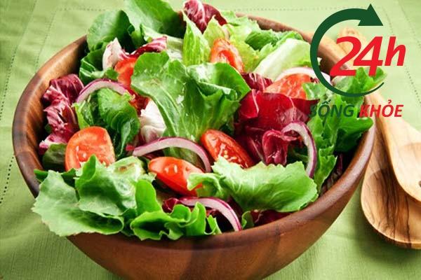 Ăn dầu dừa với salad cho hiệu quả điều trị bệnh trĩ cao hơn
