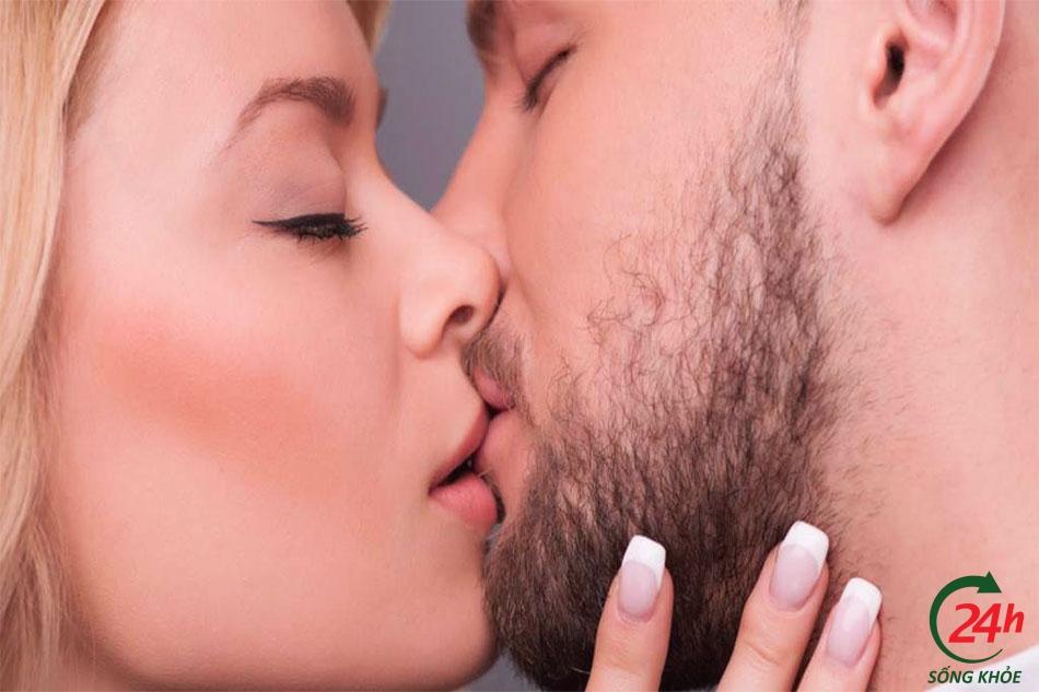 Các bước hôn nhau cởi quần áo
