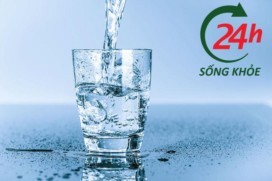Cần bổ sung nước cho người rụng tóc sau sinh